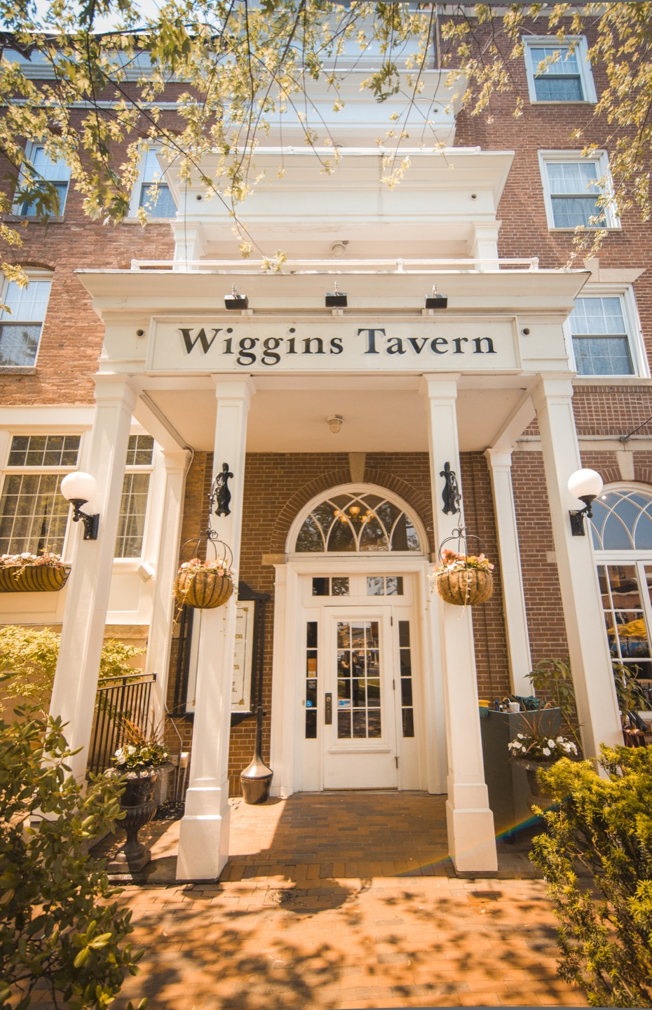 Wiggins Tavern outside entrance